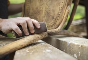 Trabajando-Restauración-madera-Pinturas-Pinturom